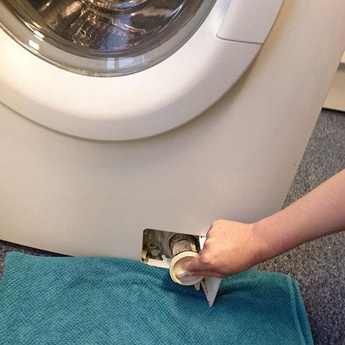 10 Waschmaschinen Tipps: Filter einfach reinigen