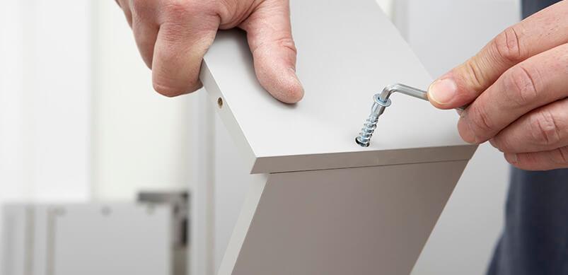 10 Dinge, die Sie nicht so gut anfühlen, wie Geräte selbst zu reparieren: Möbel aufbauen