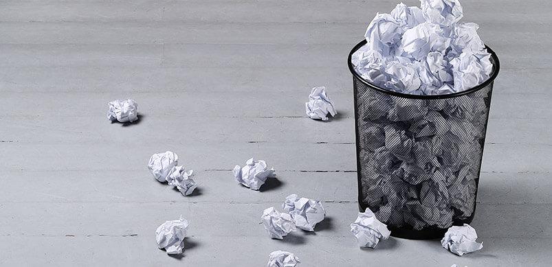 10 Dinge, die Sie nicht so gut anfühlen, wie Geräte selbst zu reparieren: Papier in den Mülleimer werfen