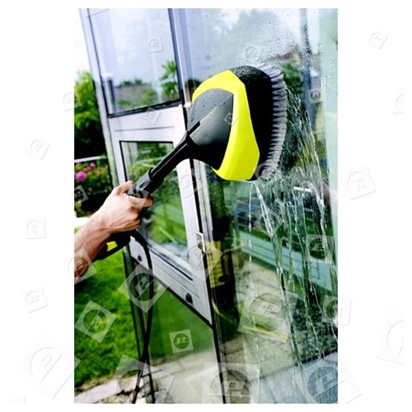 Reinige Deine Fensterrahmen mit einem sanften Reinigungsmittel