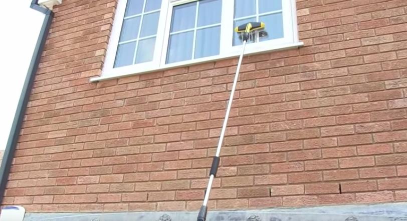 Hohen Fenster erreichen und putzen