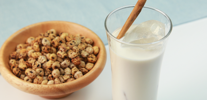 Horchata (Spanisches Getränk mit Nüssen)