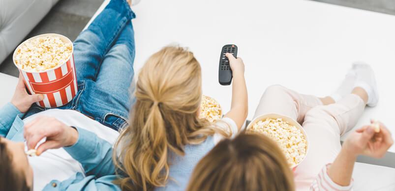 Einen Familienfilm anschauen